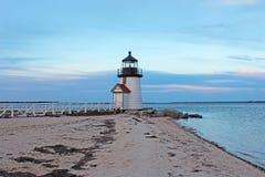 Nedgångafton Brant Point Light, Nantucket, MOR Royaltyfria Foton