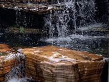Nedgångar för rent vatten arkivfoto