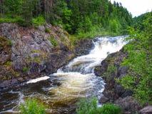 Nedgångar Kivach, Kareliya, Ryssland Royaltyfri Fotografi