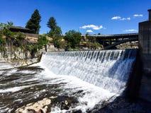 Nedgångar längs den Spokane floden royaltyfri foto