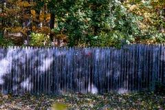 Nedgångträdgårdstaket Royaltyfri Fotografi