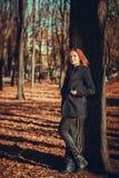 Nedgångdag för ung kvinna Arkivfoto