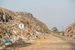 Nedgrävning av soporplats, giftlig avfalls Arkivbilder
