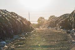 Nedgrävning av soporplats, giftlig avfalls Arkivfoton