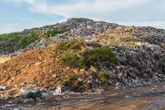 Nedgrävning av soporplats, nedgrävning av soporavfalls i Thailand Arkivfoto