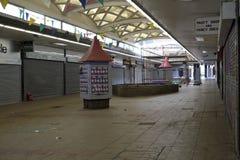 Nedskärningshoppinggallerit St George `` går i Croydon arkivbild
