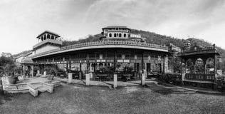 Neemrana堡垒宫殿,拉贾斯坦,印度全景  免版税图库摄影