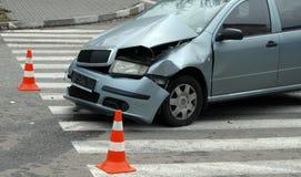Neerstortingsauto op ongevallenplaats Stock Foto