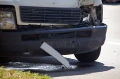 Neerstortingsbus op ongevallenplaats stock foto's
