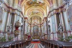 Nef principale de l'église baroque (1745 - 1766) dans le cloître de Premonstratesian dans Jasov Image stock