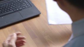 Negócio da leitura do executivo empresarial propasal video estoque