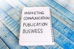 Negócio da publicação de uma comunicação de mercado, palavras inspiradores imagem de stock