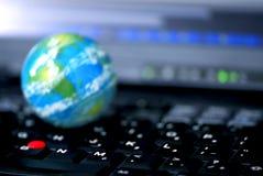 Negócio de computador do Internet global Fotografia de Stock Royalty Free