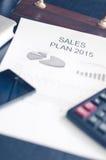 Negócio de exibição e relatório financeiro Plano das vendas Imagens de Stock Royalty Free