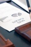 Negócio de exibição e relatório financeiro Plano das vendas Imagem de Stock Royalty Free