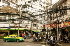 Negócio diário 05 das horas de ponta de Banguecoque Tailândia da rua 10 2015 - 2 fotos de stock