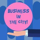 Negócio do texto da escrita na cidade Escritórios profissionais das empresas urbanas do significado do conceito na mão da análise ilustração royalty free