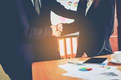 Negócio e reuniões e unidade do trabalho Para trabalhar eficazmente o teamwo imagens de stock
