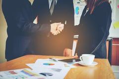 Negócio e reuniões e unidade do trabalho Para trabalhar eficazmente o teamwo foto de stock
