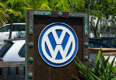 Negócio e sinal do automóvel de Volkswagen Foto de Stock Royalty Free