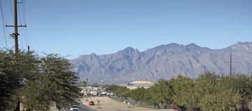 Negócio e Tucson sul residencial, AZ Fotografia de Stock Royalty Free