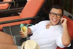Negócio fazendo masculino feliz de um recurso imagem de stock royalty free
