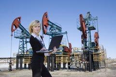 Negócio na indústria petroleira Fotos de Stock
