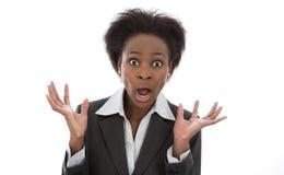 Negócio: sem-palavras chocado da mulher negra isolado no backg branco fotos de stock royalty free