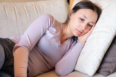 Negative Gefühleinsamkeit der Frau und Schmerzkonzept Lizenzfreies Stockbild