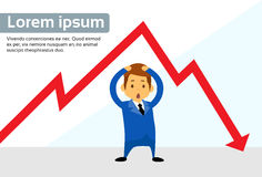 Negativo da seta de Financial Graph Red do homem de negócios Fotos de Stock Royalty Free