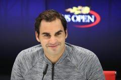 Negentien keer Grote Slagkampioen Roger Federer tijdens persconferentie na verlies bij kwartfinalegelijke bij US Open 2017 stock afbeelding