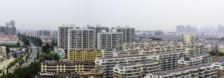 Negligenciando a cidade de Rizhao foto de stock