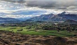 Negligenciando o Remarkables, Nova Zelândia fotografia de stock