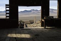 Negligenciando o vale de Ione em Nevada do norte Imagens de Stock Royalty Free