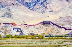Negligencie o monastério de Gyangze Palkor (o templo de Baiju) imagens de stock royalty free