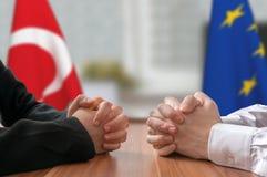 Negociación de Turquía y de la unión europea Estadista o políticos Imagen de archivo