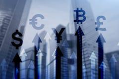 Negocio de la exposici?n doble y concepto financiero Flechas del crecimiento de la moneda Compra y venta de acciones y divisas ilustración del vector
