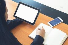 Negocio de trabajo independiente adolescente en la tableta Fotografía de archivo