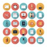 Negocio e iconos planos de la oficina fijados