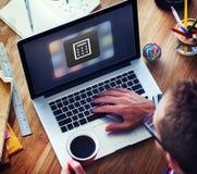 Negocio que deposita concepto en línea de la transacción financiera del pago foto de archivo