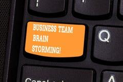 Negocio Team Brain Storming de la escritura del texto de la escritura Reunión de funcionamiento del grupo de sociedades del traba fotografía de archivo libre de regalías