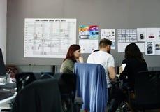 Negocio Team Brainstorming en taller de la reunión imagen de archivo libre de regalías