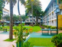Negombo, Sri Lanka - 29. April 2009: Der Swimmingpool im Camelot-Strand-Hotel Stockbilder