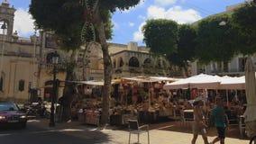 Negozi del mercato dell'aria aperta dell'isola di Gozo, Malta stock footage