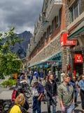 Negozi del viale di Banff Fotografia Stock