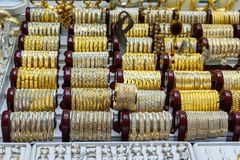 Negozi di gioielli del bazar dell'oro o di Amir Bazaar a Tabriz Provincia orientale dell'Azerbaigian l'iran immagini stock libere da diritti