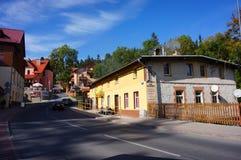 Negozi ed hotel in Karpacz fotografia stock libera da diritti