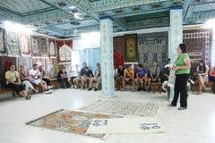 Negozio antico del tappeto in Qayrawan Immagini Stock Libere da Diritti
