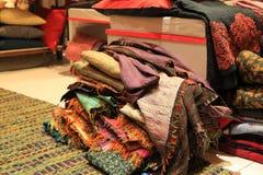 Negozio antico di lusso delle coperte e dei tessuti Fotografia Stock