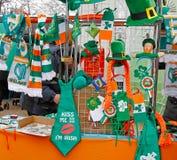 Negozio commerciale con i simboli di giorno del ` s di St Patrick Fotografia Stock Libera da Diritti